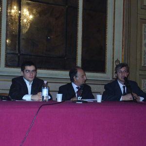 Ad un seminario della Gioventù Federalista Europea con l'allora amministratore di San Paolo IMI Alfonso Iozzo e il capo dell'economia de Il Mattino Marco Esposito. Febbraio 2004