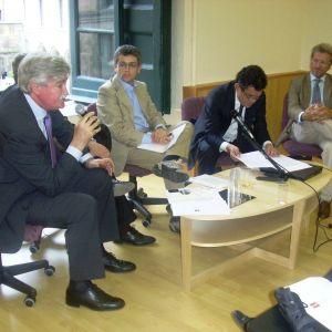 """Presentazione del volume """"L'insostenibile leggerezza del management"""" di Franco Perillo. 23 Giugno 2010"""